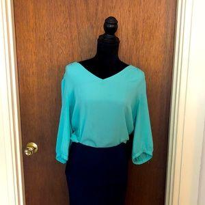 EUC sea foam hi-low blouse 3/4 sleeve